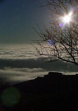 Il sole invernale sopra le nuvole - panoramio.jpg