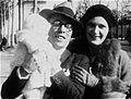 Isa, Pippo e Tatina Barzizza. Parigi, 1929.jpg