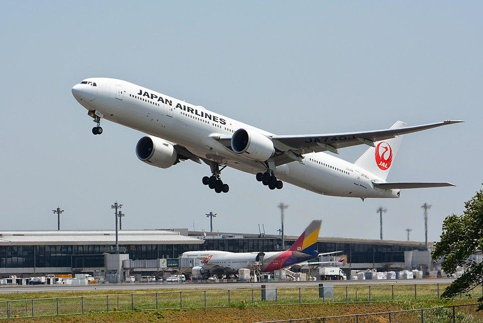 Japan Airline, Boeing 777-300ER JA740J NRT (16954459374)