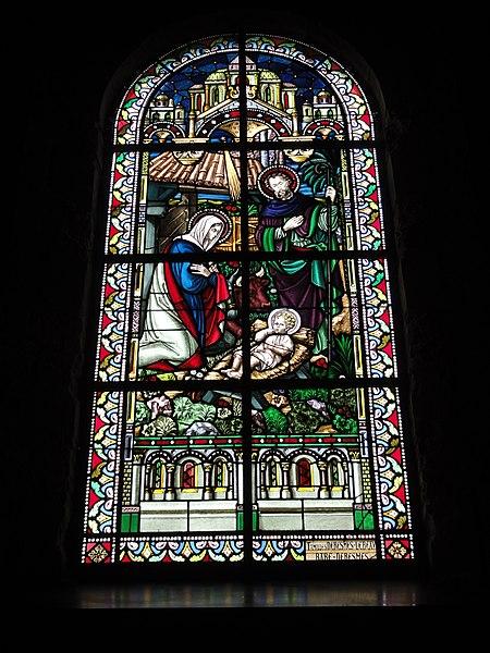 Jeumont (Nord, Fr) église St.Martin, vitrail 01 La nativité
