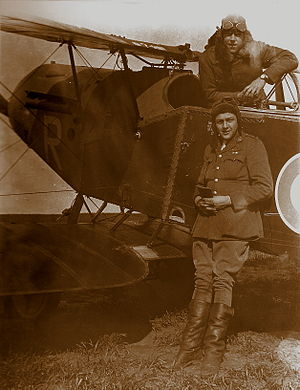 John Rutherford Gordon - Gordon and Bill Staton (standing) with their Bristol Fighter, No. 62 Squadron RFC, Cachy, France, in 1918.