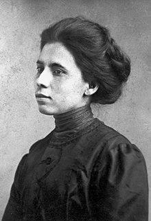 Jovita Idár portrait, c. 1905.jpg