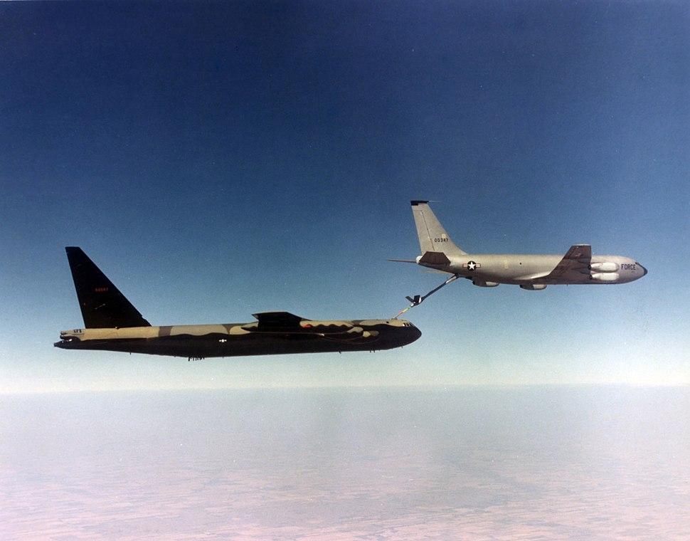 KC-135A refuels B-52D during Vietnam War