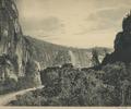 KITLV - 94260 - Demmeni, J. - Harau gorge near Payakumbuh (Kota Payakumbuh) - circa 1915.tif