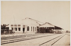 KITLV 19209 - Kassian Céphas - Station of the State Railways at Yogyakarta ategoe - Around 1890.tif