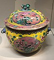 Kamcheng with peonies and phoenix from China early Republican period IMG 9803 singapore peranakan museum.jpg