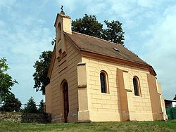 Kaple s hrobkou rodu Bukuwku Dobromilice.jpg