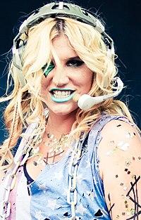 a2705be201c Kesha en el Get Sleazy Tour.