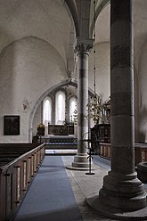 Fil:Lärbro kyrka interiör Gotland.jpg
