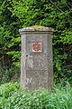 Lügde - 2015-05-12 - Grenzstein bei Harzberg (2).jpg