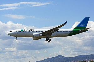 LEVEL, Airbus A330-202, EC-MOY (35010932651).jpg