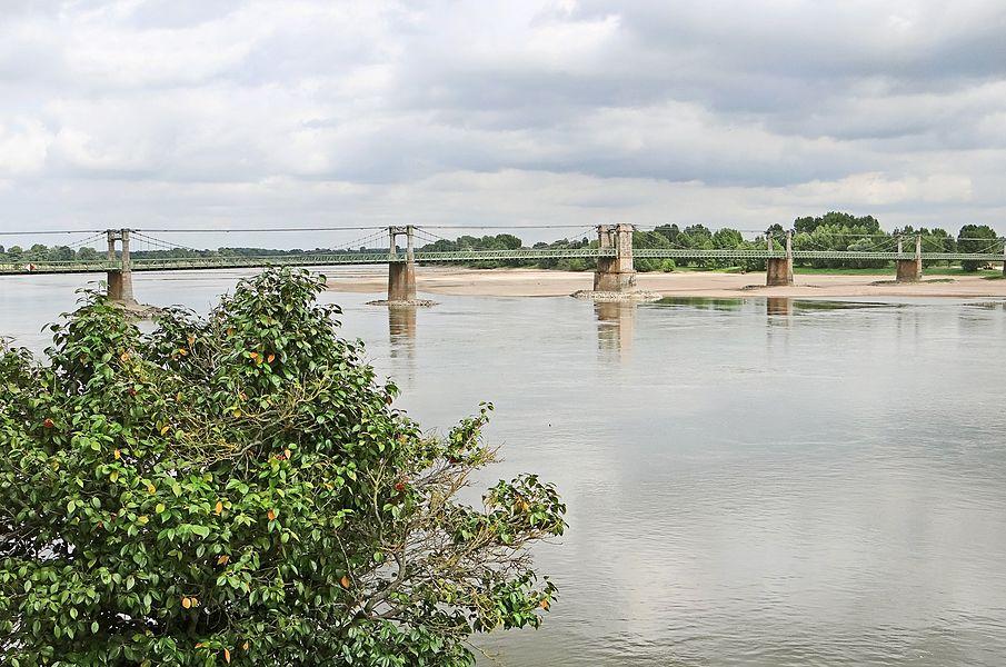 Le pont suspendu à Ingrandes   Site d'Ingrandes www.ingrandes-sur-loire.fr/