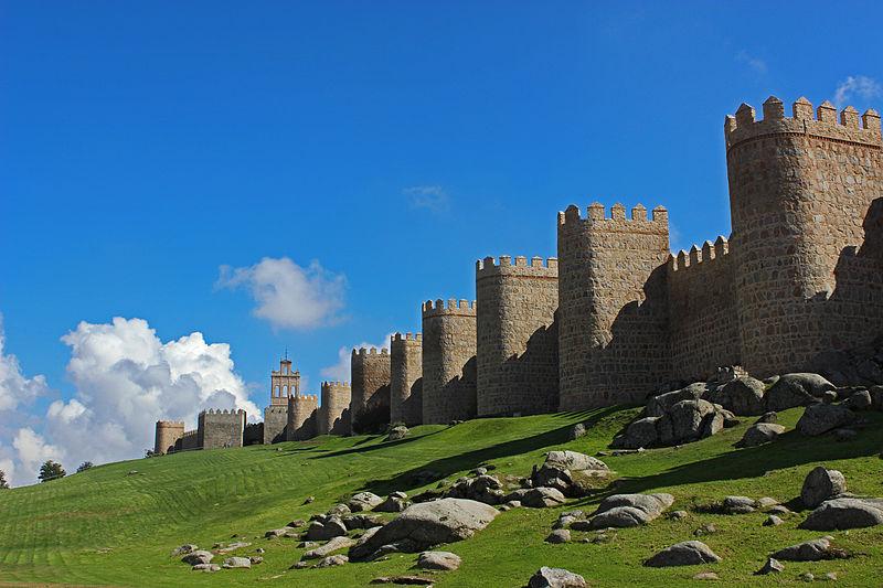 File:La Muralla de Ávila.jpg