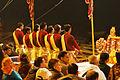 La cérémonie Ganga Aarti (Varanasi) (8472452650).jpg