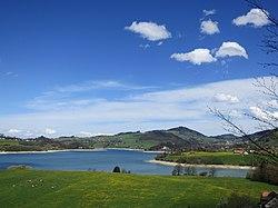 Lake Gruyere - panoramio.jpg