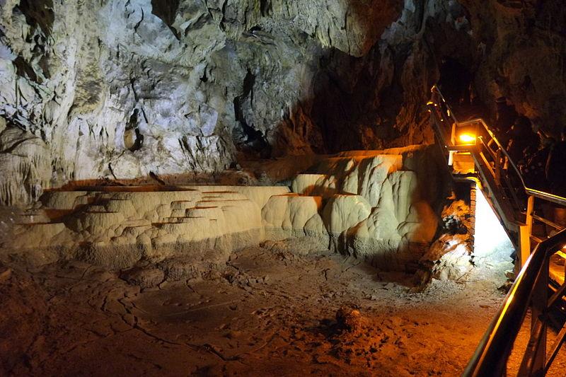 File:Lake cave (4).JPG