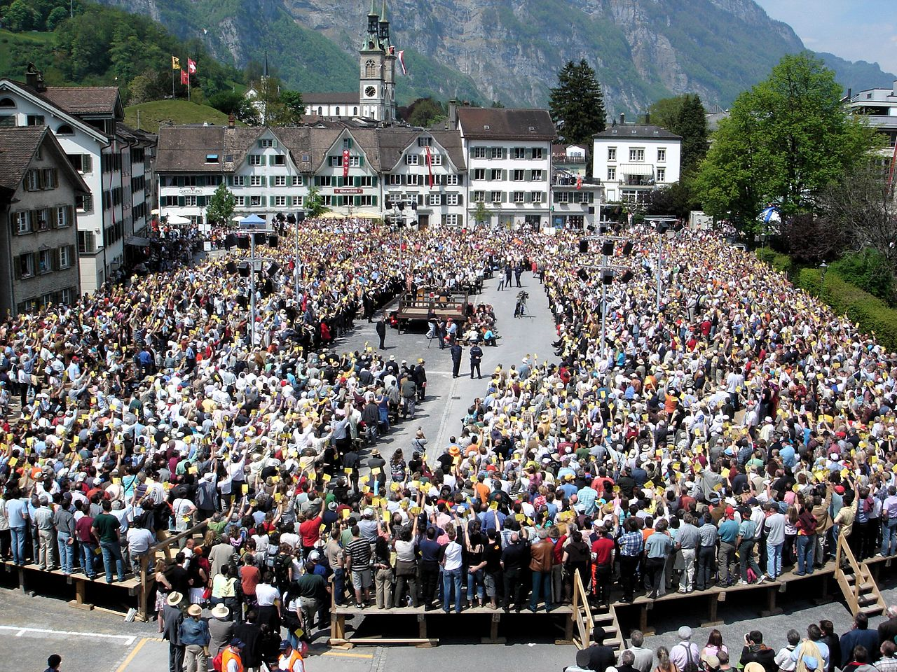 1280px-Landsgemeinde_Glarus_2006.jpg