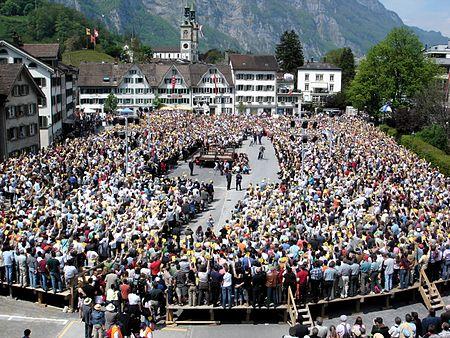 Abstimmung an der Landsgemeinde am 7. Mai 2006 in Glarus