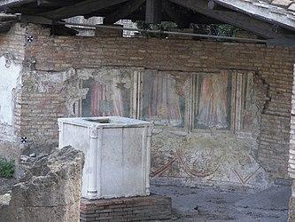 Largo di Torre Argentina Temple A fresco 2.jpg