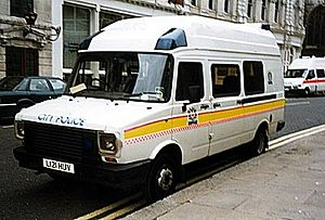 LDV Convoy - Leyland DAF 400 of the City of London Police