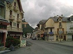 Le village de Sarrancolin.jpg