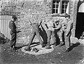 Legermanoeuvres in West Duitsland , soldaten in actie, Bestanddeelnr 906-7374.jpg