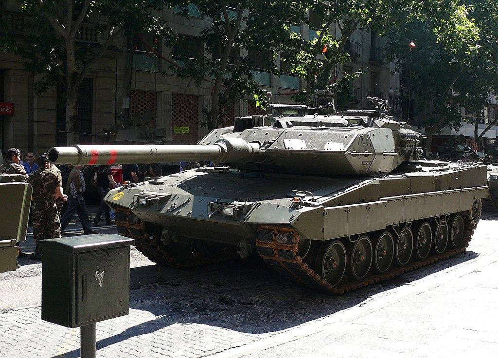 Fuerzas armadas españolas - Página 3 1024px-Leopardo_2E._zaragoza_1