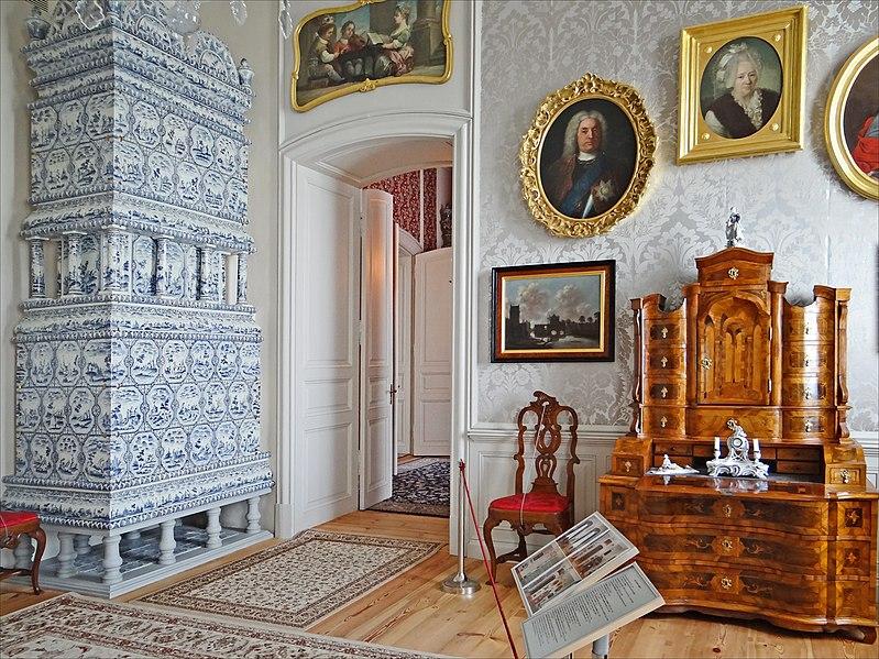 File:Les appartements de la Duchesse (Palais de Rundale) (7656396056).jpg