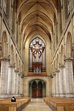 Linz - Mariendom, Orgelempore.JPG