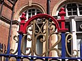 London Marylebone Station - GCR metal fence (4674489870).jpg