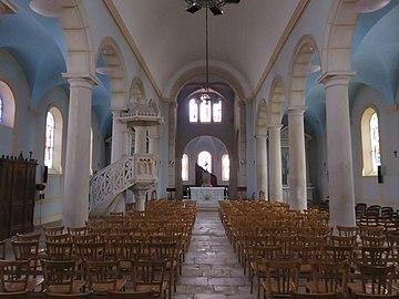 Lucenay - Nef église (sept 2018).jpg