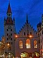 München Altes Rathaus bei Nacht.jpg