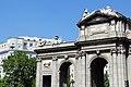 Madrid - Puerta de Alcalá (36054087065).jpg