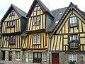Maisons Place du Marchix.jpg
