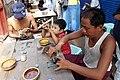 Mandalay-Jademarkt-60-Polierer-gje.jpg