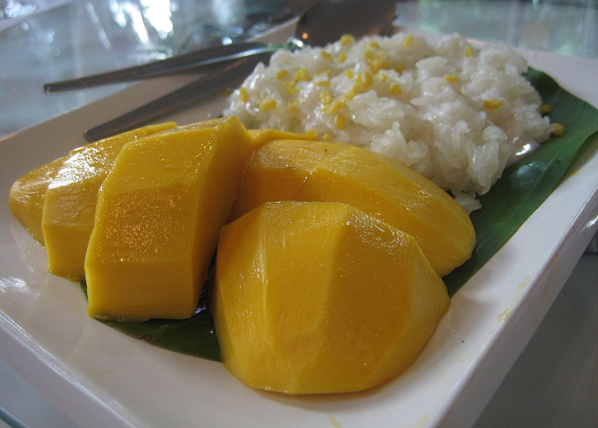 Mango with glutinous rice.jpg