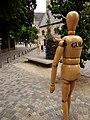 Mannequin en bois à la Cultuurplein de Malines 02.jpg