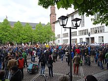 "More than 1000 people at the March for Science in Heidelberg 2017 in front of the ""Neue Universität""."