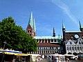 Marienkirche Marktplatz Lübeck Germany - panoramio.jpg