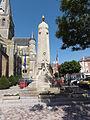 Marle-sur-Serre (Aisne) monument aux morts.JPG