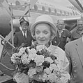 Marlene Dietrich op Schiphol voor optreden in Kuhrhaus, Bestanddeelnr 914-0358.jpg