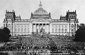 Tanks in the German Army - German demonstration against the Treaty of Versailles in front of the Reichstag building