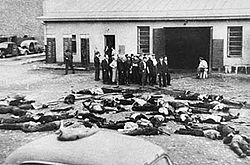 Massacre Kovno Garage 27 JUNE 1941.jpg