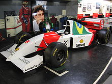 Photo de la McLaren MP4/8 d'Ayrton Senna victorieuse à Donington exposée au Donington Collection