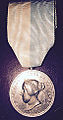 Medalha D. Maria II Merito Filantropia Generosidade c.JPG