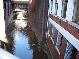River Medlock an der Oxford Road in Manchester