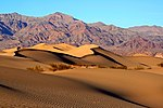 Mesquite Sand Dunes in Death Valley.jpg