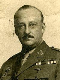 Miguel Primo de Rivera, Kaulak (cropped).jpg