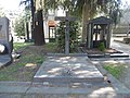 Milano - Cimitero Monumentale - Tomba dei coniugi Dott. Achille Aliprandi e Maddalena Pirelli - Crocifisso di Francesco Messina.jpg