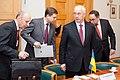 Ministru prezidents Valdis Dombrovskis tiekas ar Ukrainas Premjerministru Mikolu Azarovu (6850680847).jpg